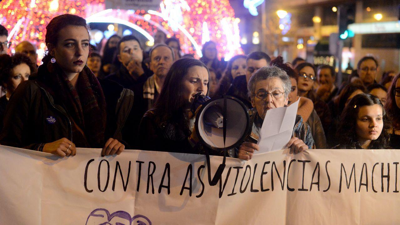 Concentración en Ourense contra la Violencia machista.Ángela Pumariega, Iván Cortina, Saúl Craviotto, Fernando Alonso, Aida Nuño y Pablo Carreño