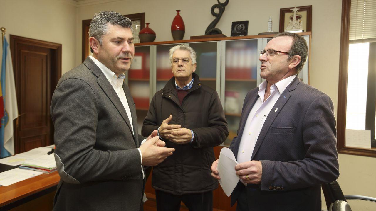 Así fue la visita de Alberto Núñez Feijóo a Zas y Baio