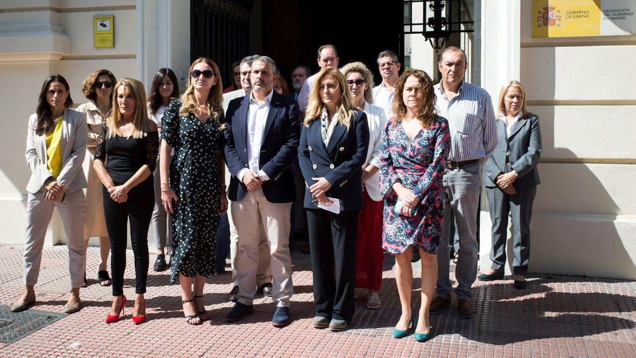 Minuto de silencio, ayer, ante la Delegación del Gobierno en Madrid por la última víctima de la violencia machista