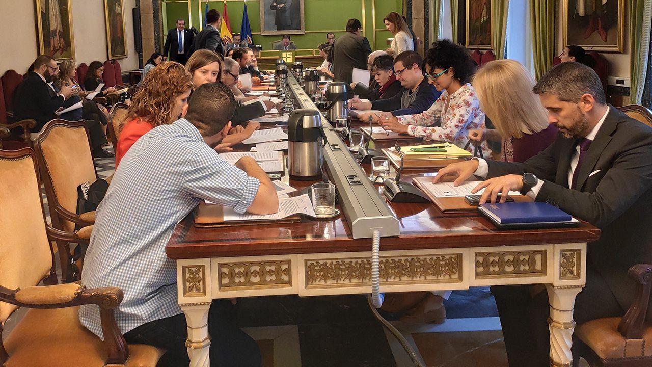 Salinas, Castrillón, playa, Asturias,.Pleno del Ayuntamiento de Oviedo
