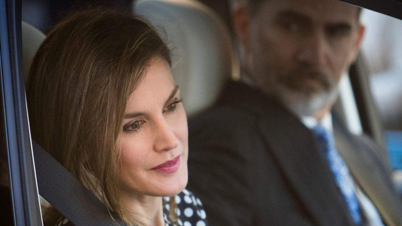 El vídeo definitivo que demuestra que la reina Letizia se enfrentó a doña Sofía.Marie-Chantal Miller junto a su marido Pablo de Grecia y sus suegros, Constantino (hermano de doña Sofía) y Ana María