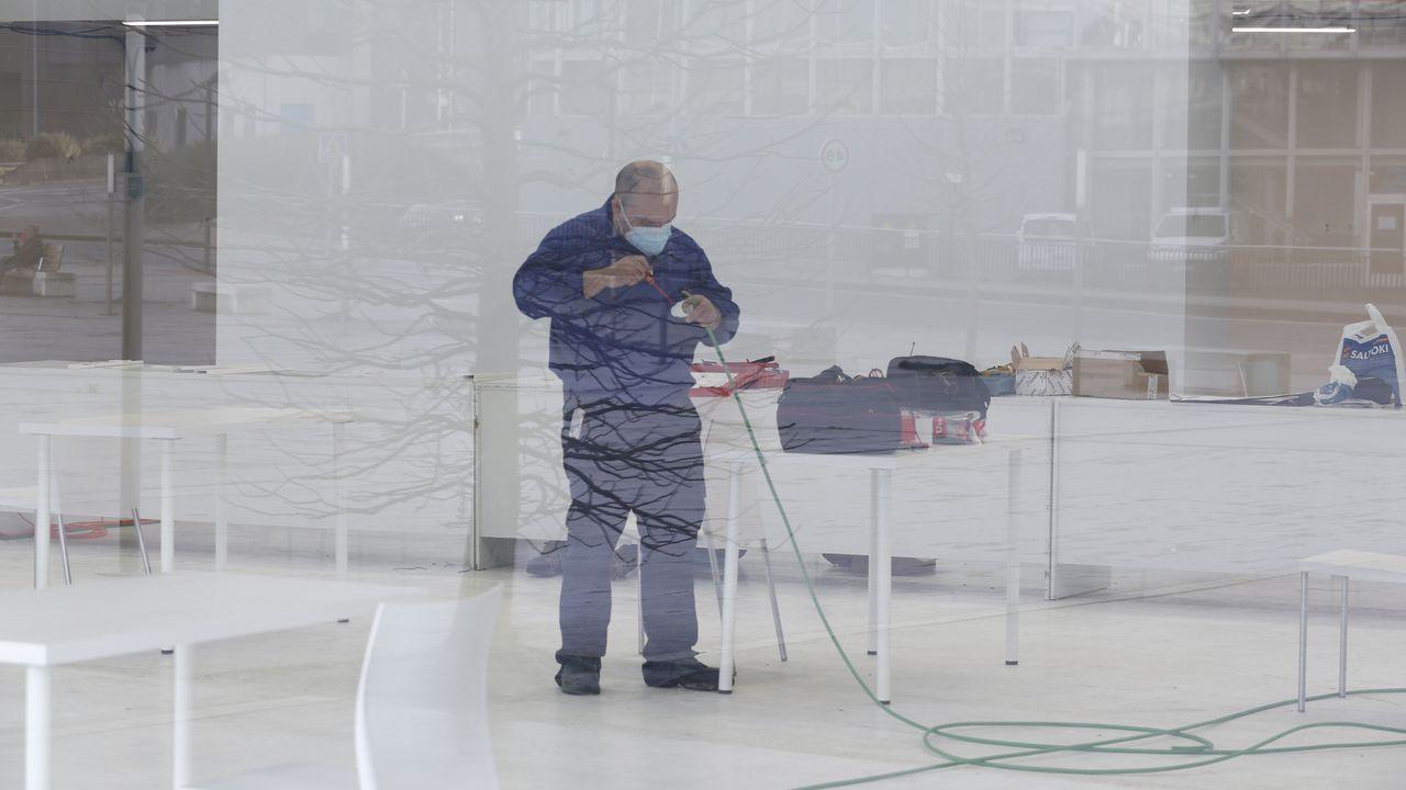 Arranca el cribado masivo en A Coruña.Bajo comercial okupado en Francisco Catoira, 42