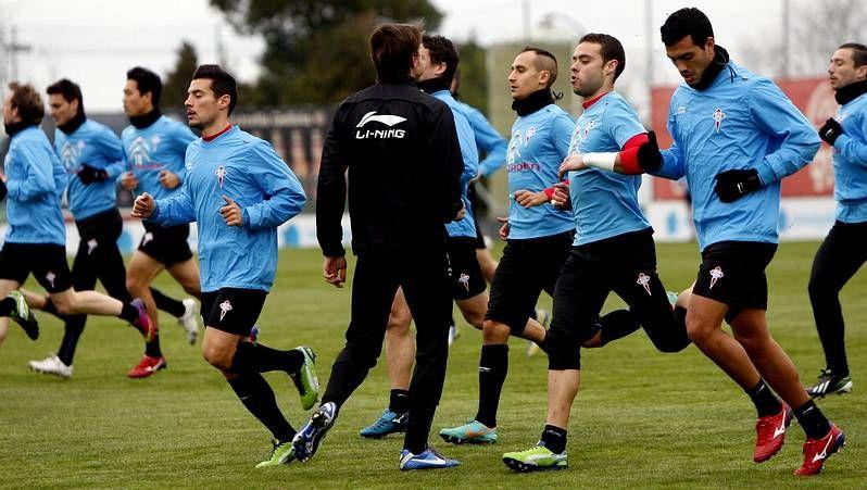 Jonathan Vila pide que el Celta se centre en el juego.Álex López tuvo que retirarse por molestias cuando subía por la banda en busca en una acción de ataque. El centrocampista puede sufrir una microrrotura en el bíceps femoral de su pierna derecha .