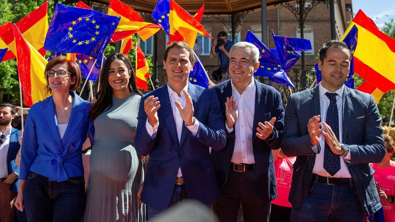 Ciudadanos se lanza al campo.La líder de Ciudadanos en Cataluña, Inés Arrimadas, podría concurrir en las listas del Congreso