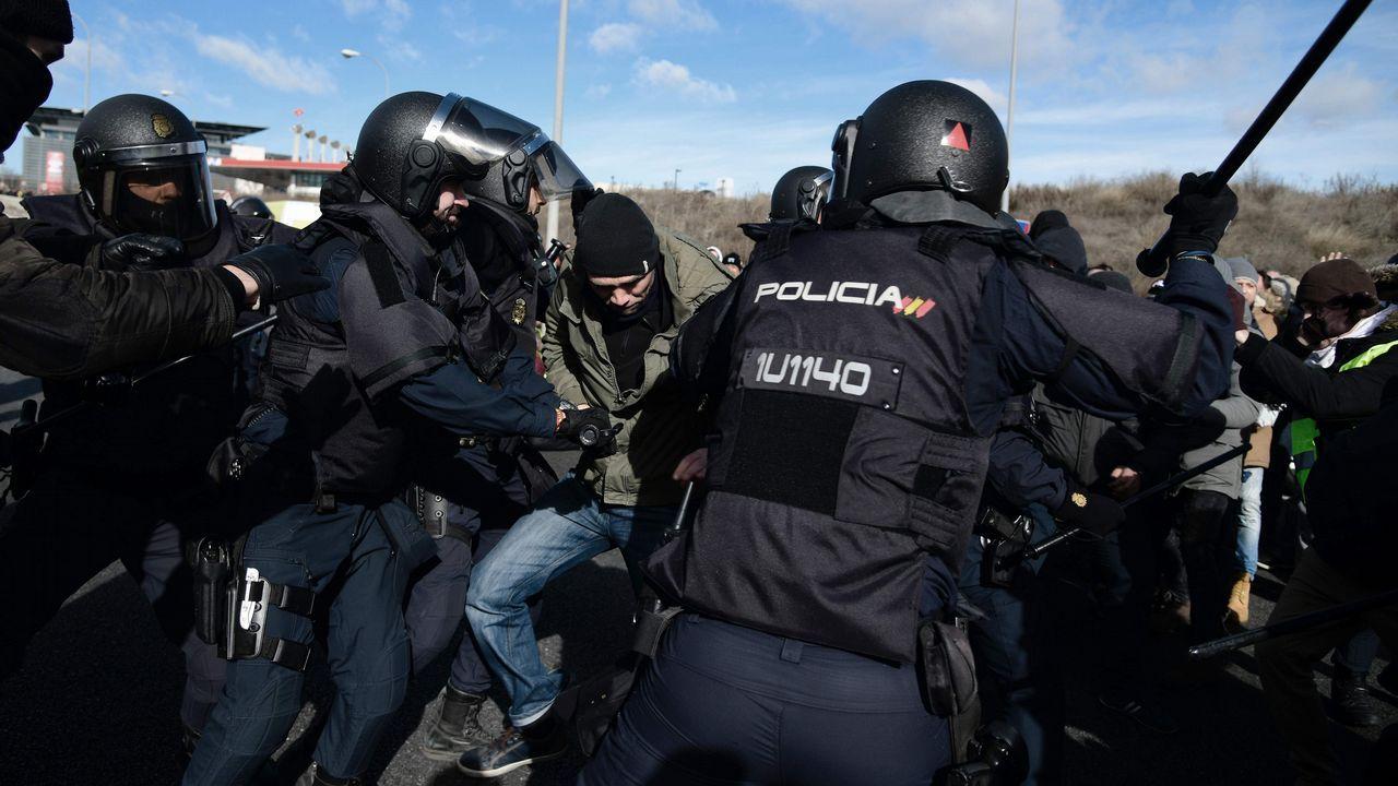Tensión entre la policía y los taxistas en la M40