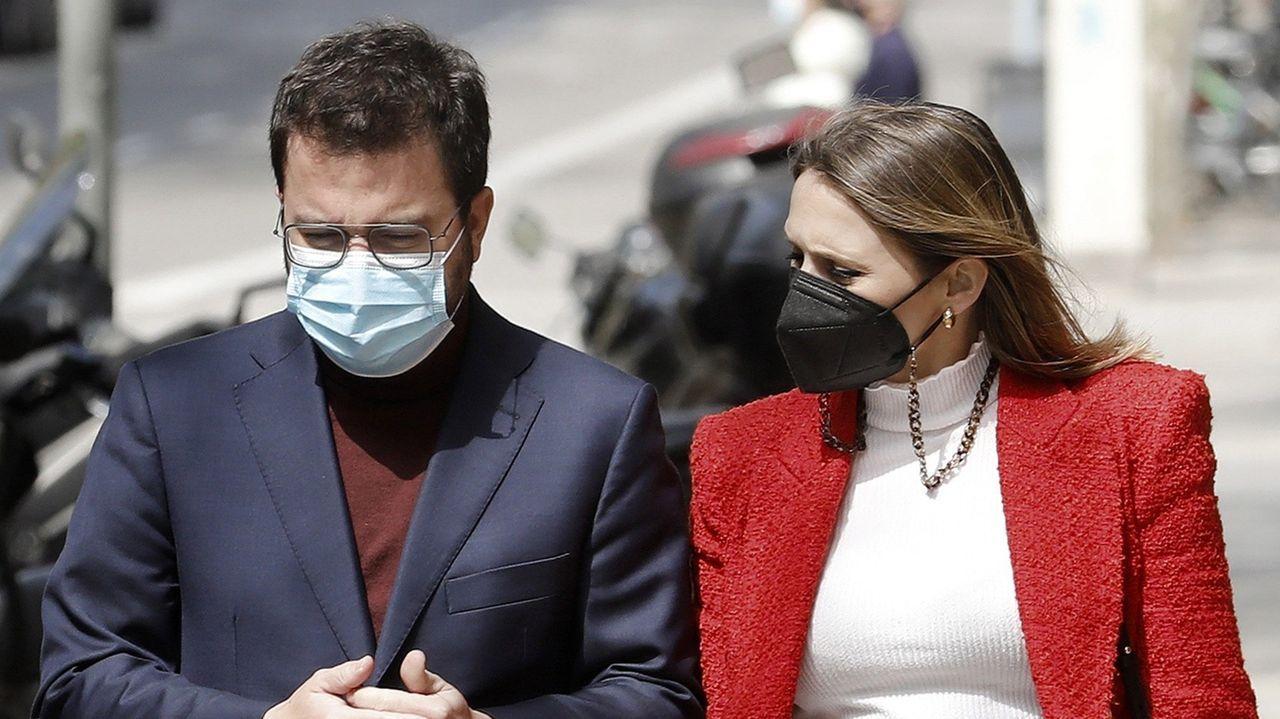 Pere Aragonès con su mujer, este sábado en Barcelona