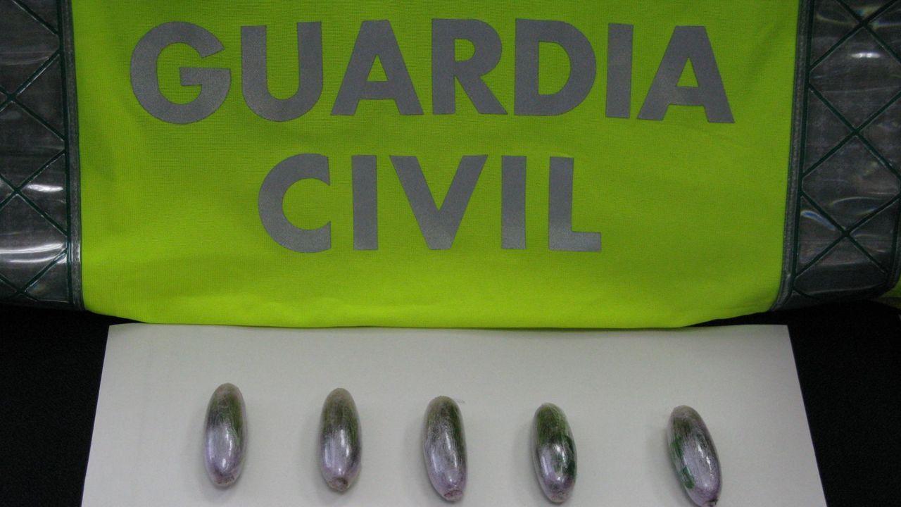 Imagen de archivo de bellotas de hachís intervenidas por la Guardia Civil en una operación en Galicia