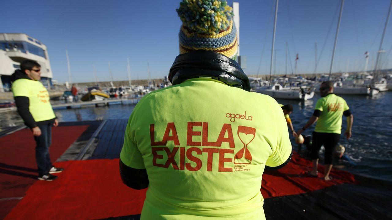 Campaña de reciclaje en apoyo del Día Mundial contra el cáncer de mama en A Coruña