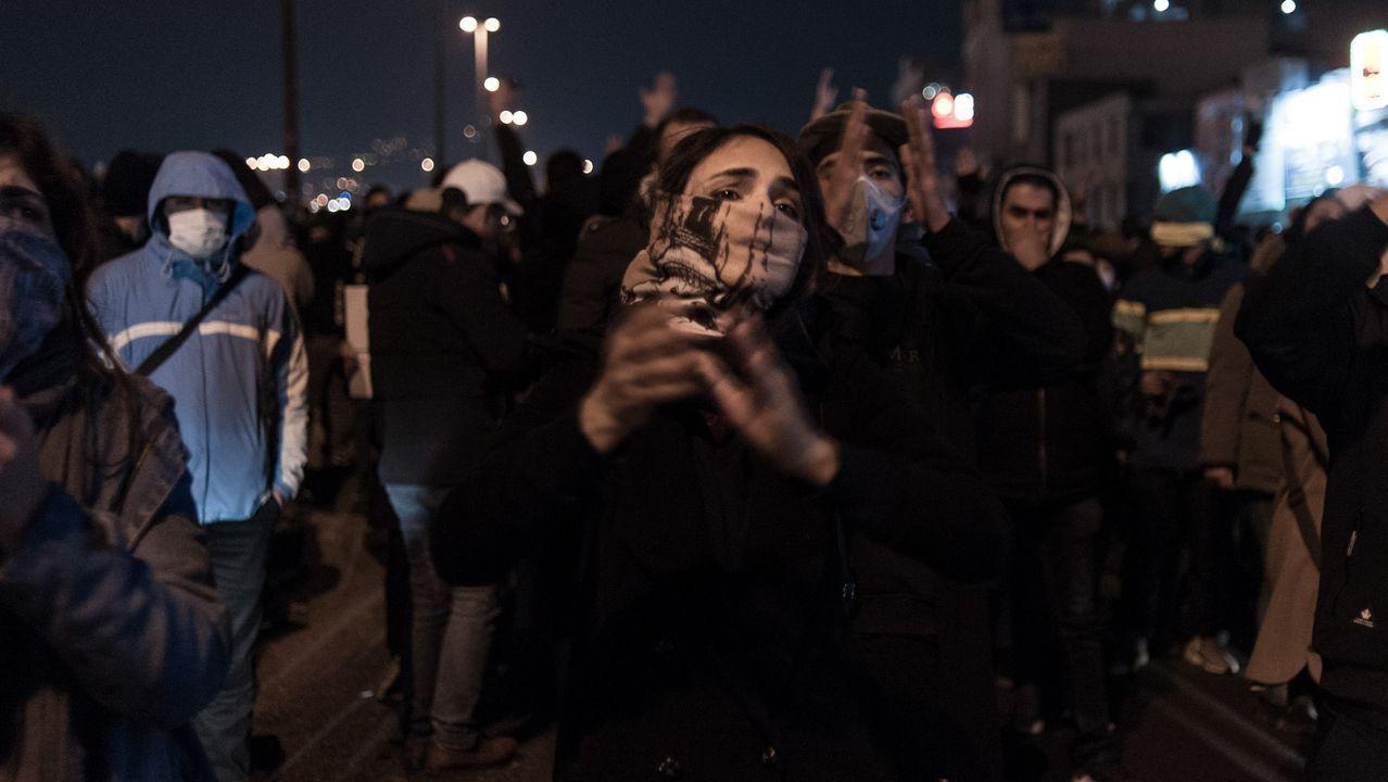 La plaza Abadi, de Teherán, volvió a ser el epicentro de las protestas por tercer día consecutivo