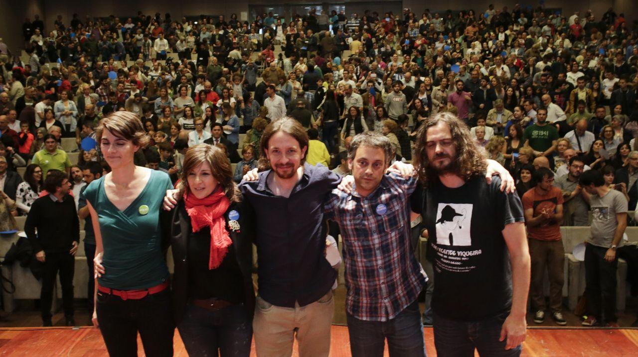 Los diputados gallegos que entran en el Congreso.Íñigo Errejón y Villares, durante una visita a Pontevedra en el 2016