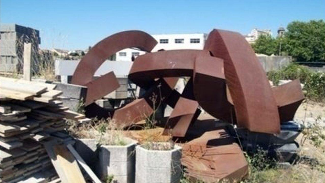¿Está sano el olivo histórico de Vigo?.Emplazamiento del futuro ascensor entre García Barbón y la nueva estación intermodal