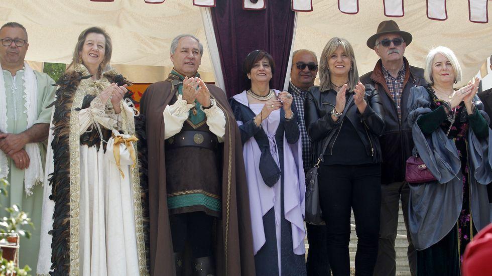 El alcalde de Monforte (tercereo por la izquierda) y otras autoridades, este sábado en la inauguración de la feria