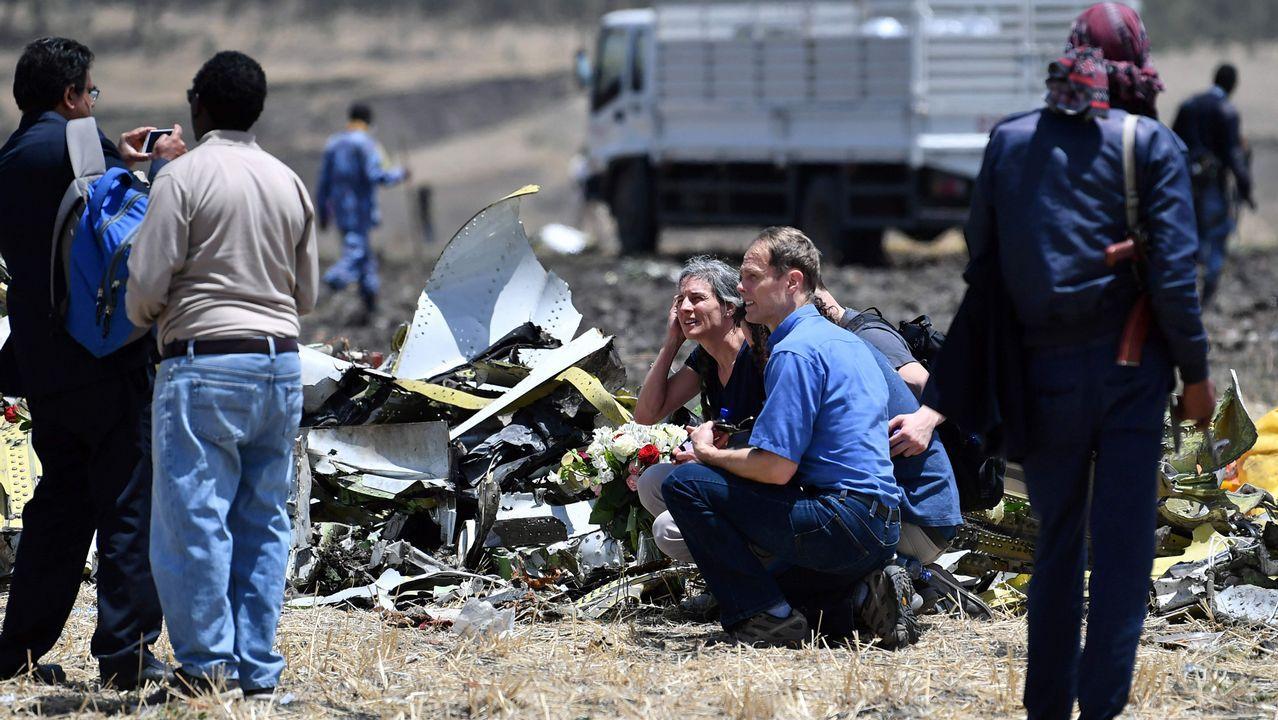 Estos son los altos cargos gallegos que han declarado su patrimonio.Familiares de las víctimas depositan flores donde se estrelló el avión etíope