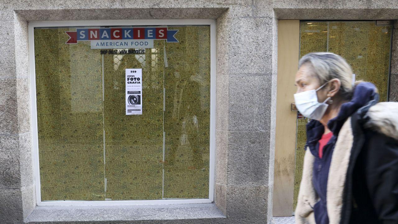 La crisis del covid afecta a todas las actividades comerciales.Algunas tiendas, como Springfield, están ya en las terceras rebajas y ofrecen descuentos de hasta el 70%