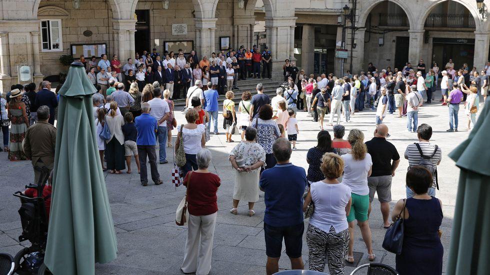Barcelona Ourense.Concentracion en Ourense de repulsa por los atentados de Barcelona y minuto de silencio por las víctimas