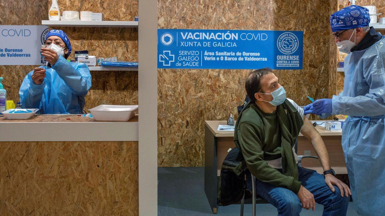 Jornada de vacunación masiva para los gallegos de entre 60 y 65 años.El presidente del Consejo, Charles Michel, en la cumbre telemática con los jefes de Gobierno de los Veintisiete
