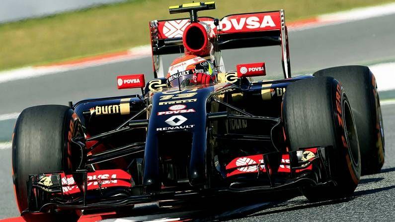 Vettel, a punto de atropellar a Raikkonen.Maldonado, durante el GP de España