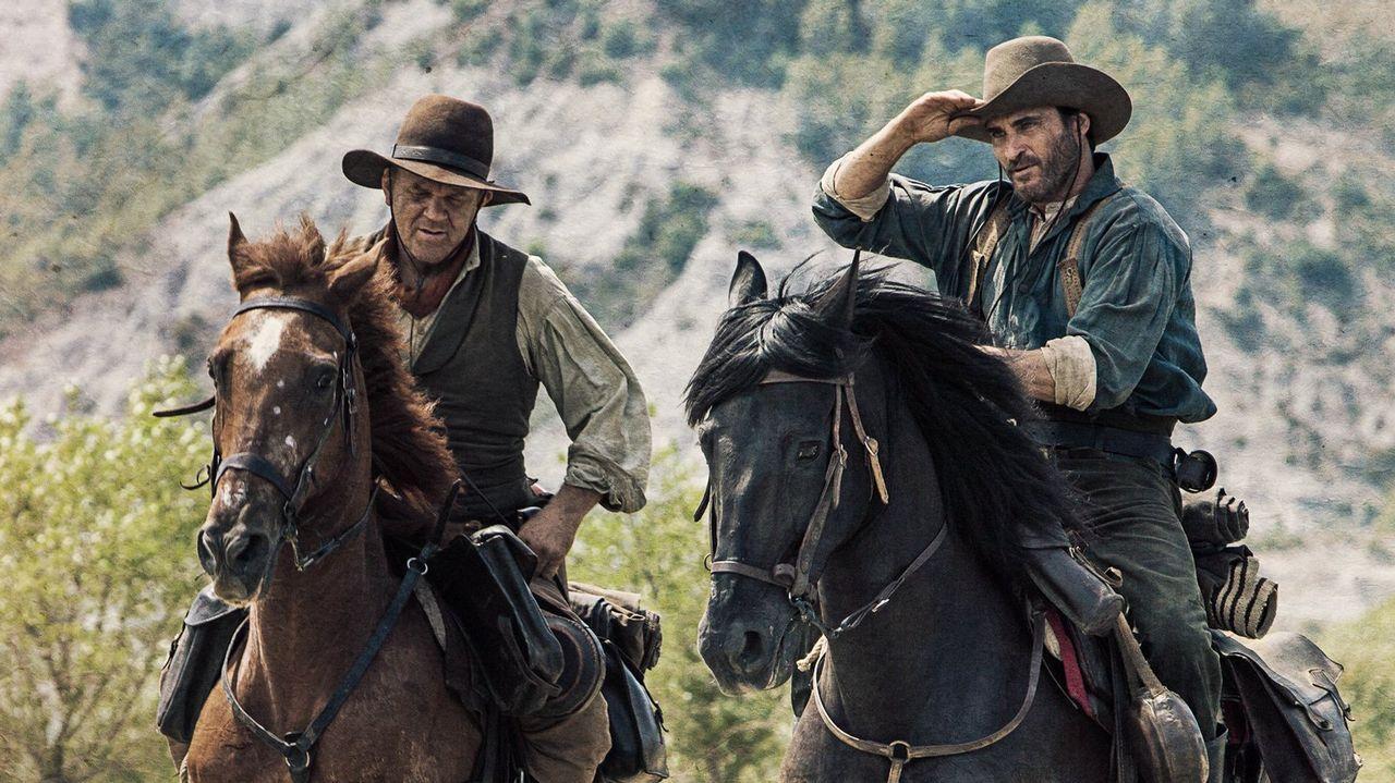 John C. Reilly (izquierda) y Joaquin Phoenix interpretan a los hermanos que dan título al filme