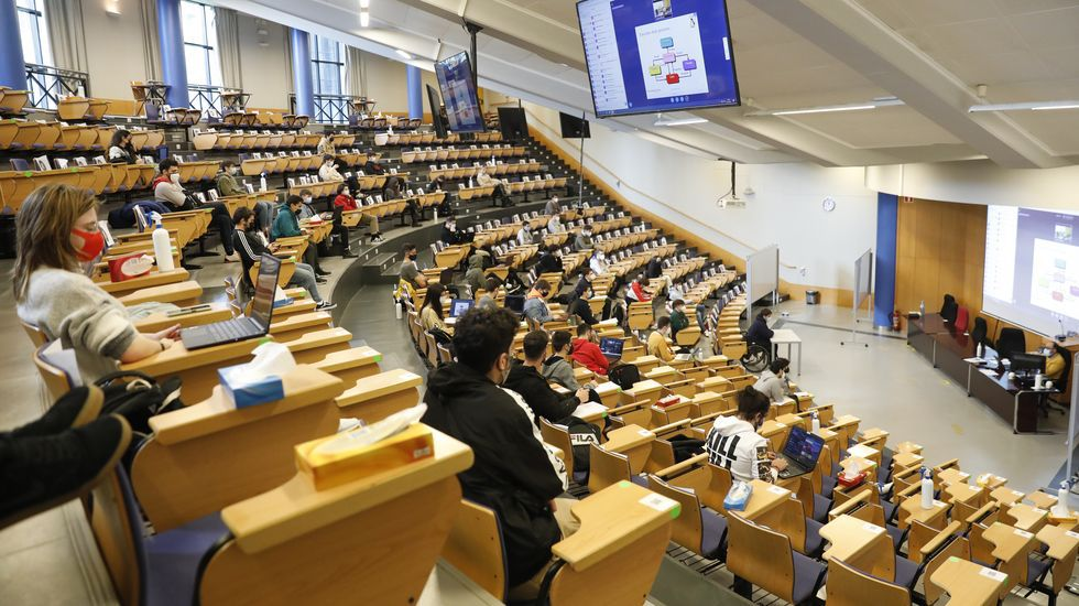 Clase en el campus de Ourense (UVigo)