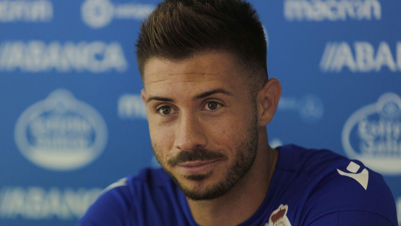 Anquela analiza la pretemporada.Dely Valdés, exfutbolista del Real Oviedo