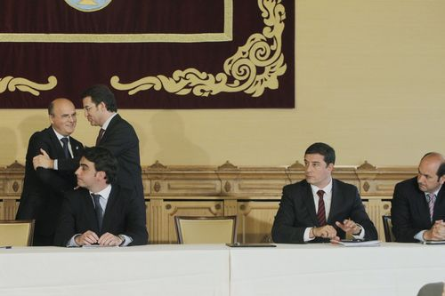 De izquierda a derecha: Baltar (saludando a Feijoo), Diego Calvo, Besteiro y Louzán.