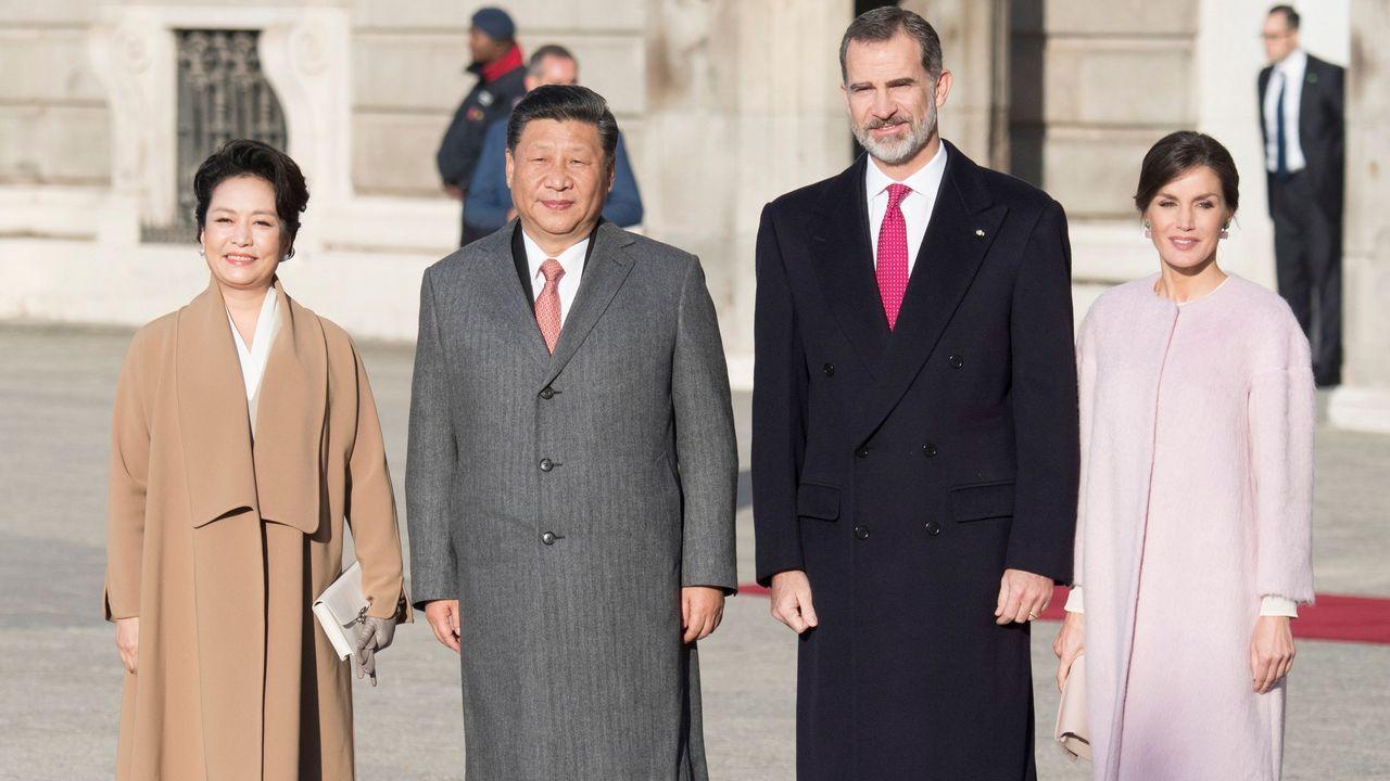 Las imágenes de la visita a España de Xi Jinping y su esposa.Putin choca su palma derecha con la del príncipe Salman en el inicio del plenario de la cumbre