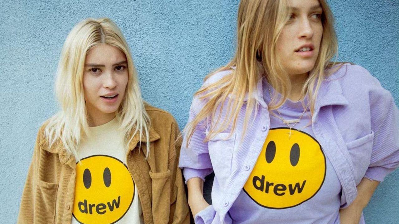 Muy musical. Siguiendo la estela de Nirvana, que usó la «Smiley Face» en los 90, Justin Bieber convirtió la carita amarilla en la imagen de su marca de ropa.