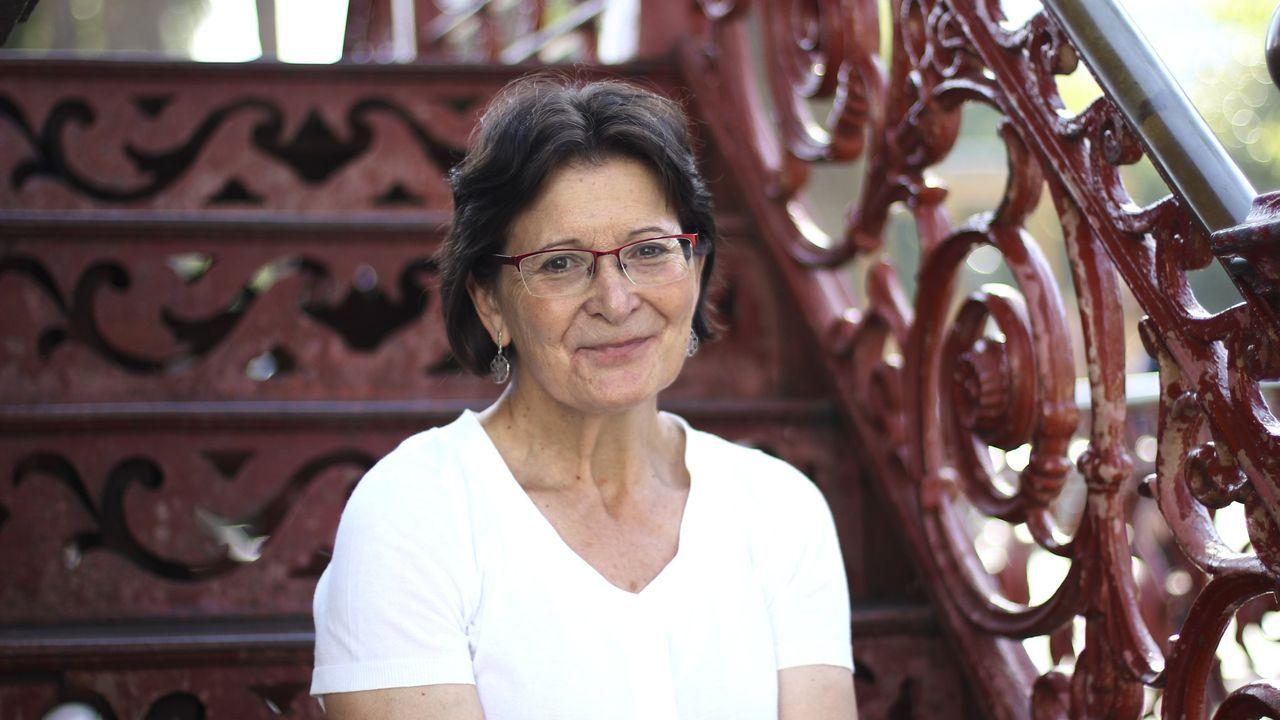 As obras de Banksy en Lugo.A poeta Pilar Pallarés