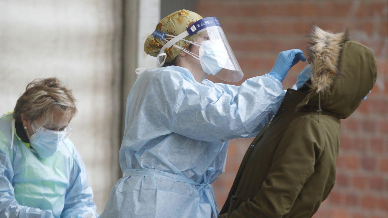 Imagen de archivo de un cribado masivo, con pruebas PCR, en Galicia