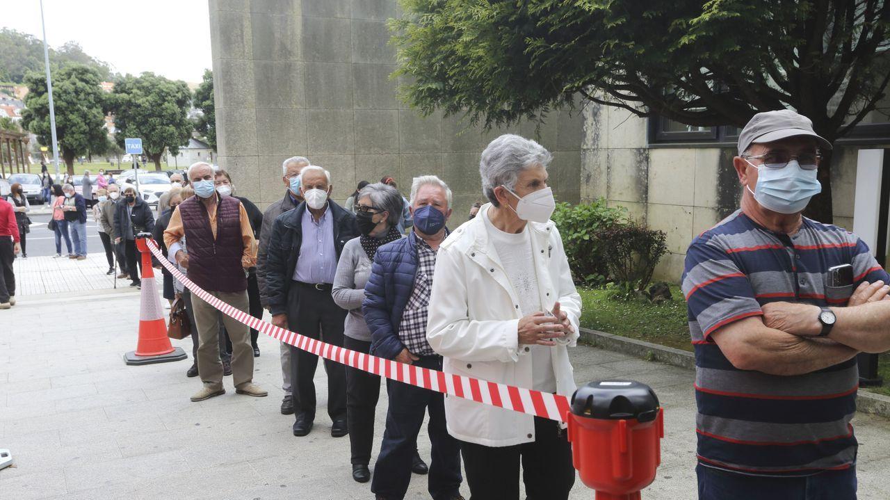Este miércoles 809 personas estaban citadas para vacunarse en Cee