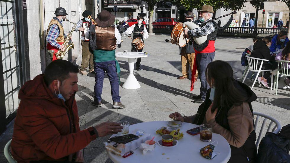 Una charanga animó el fin de las restricciones el pasado día 12 en Verín