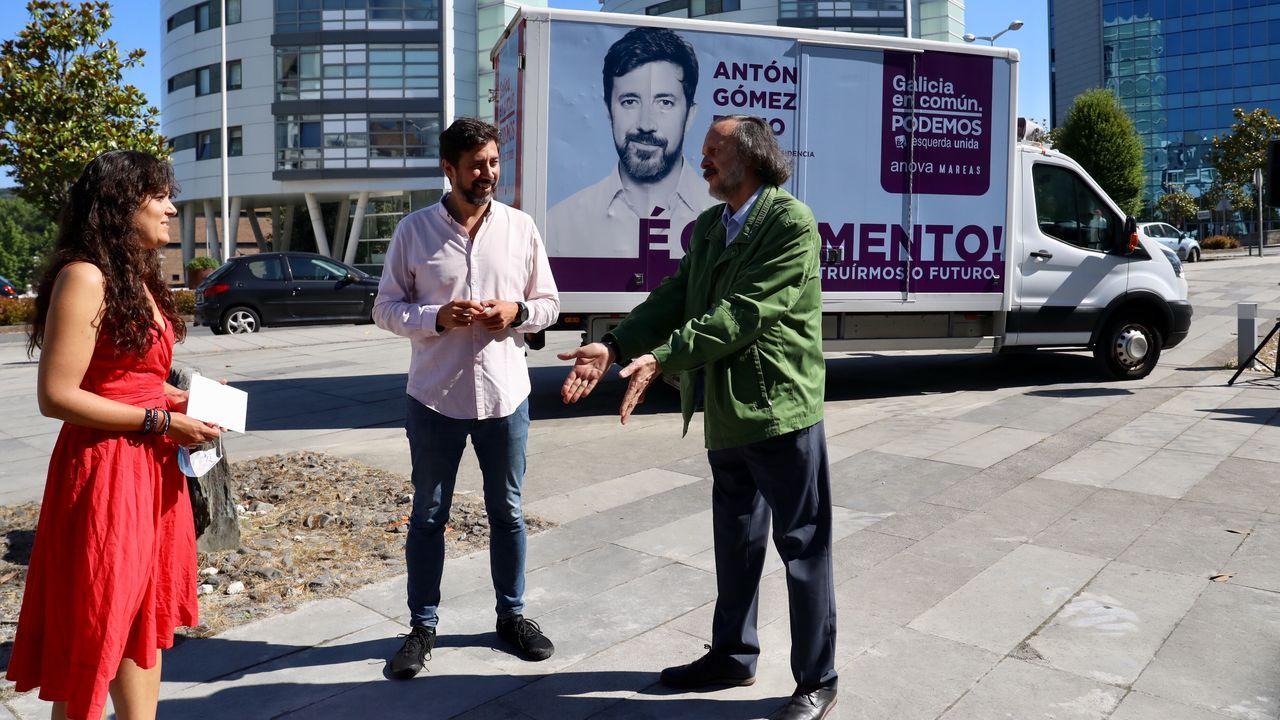 Encuentro con Antón Gómez-Reino.El diputado de Grupo Común da Esquerda, Antón Sánchez