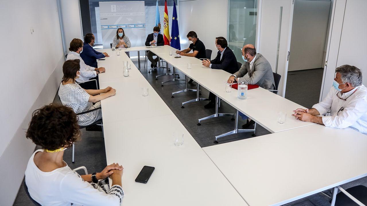 La reunión entre la Consellería de Infraestruturas y la Asociación de Constructores de Pontevedra tuvo lugar este viernes en el edificio de la Xunta