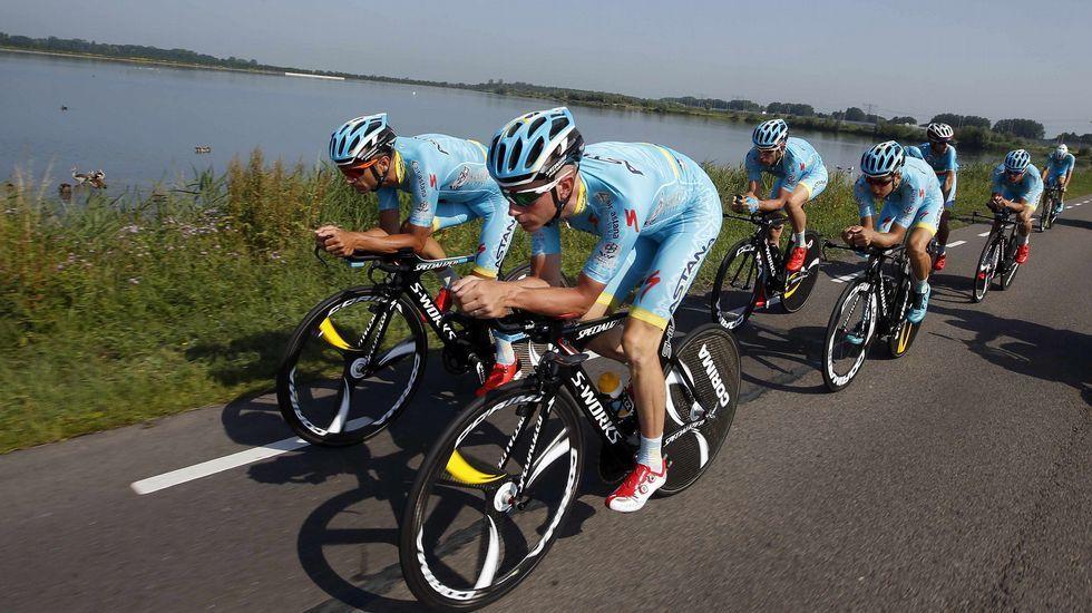 El equipo Astana rodando durante esta mañana