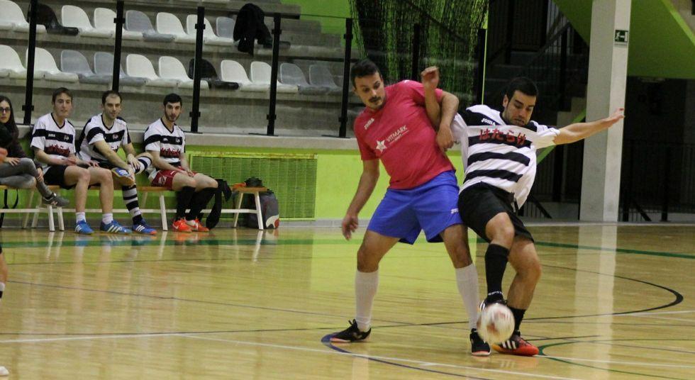 En la pasada edición de la competición de fútbol sala lalinense habían participado catorce equipos.