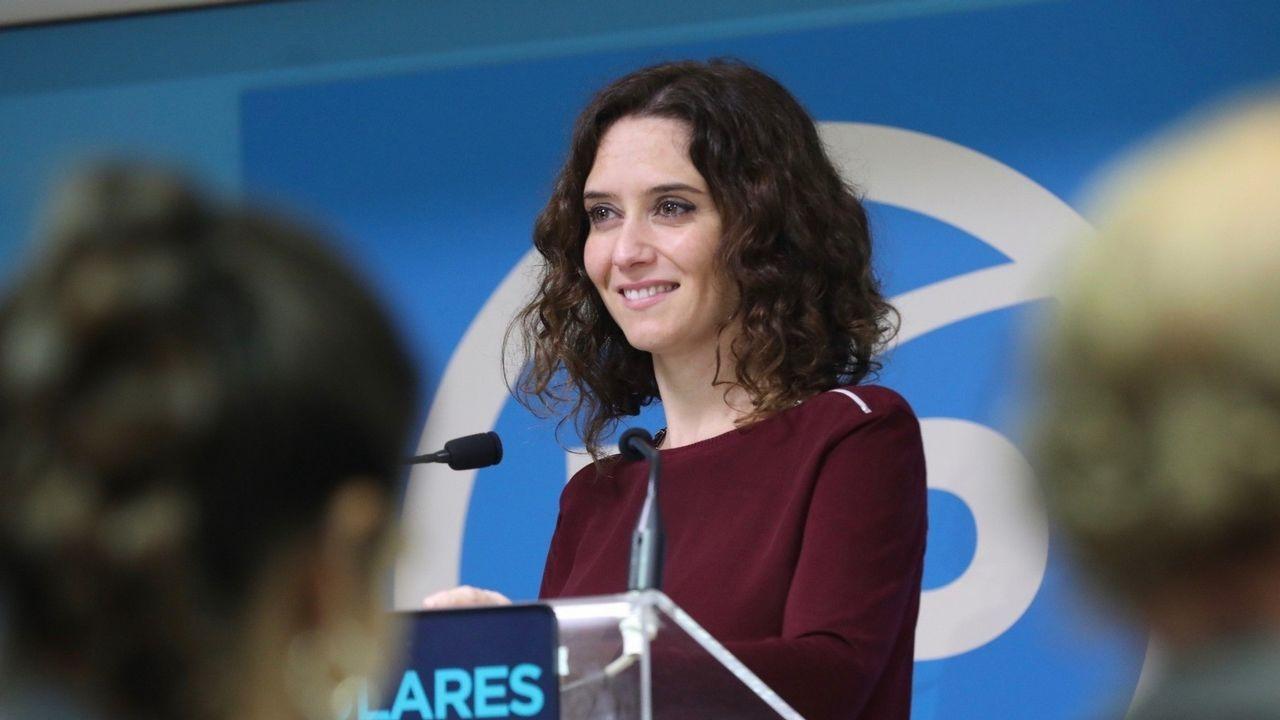 Errejón se presentará como candidato a la Comunidad bajo las siglas de «Más Madrid».Errejón, en la foto con la alcaldesa de Madrid, Manuela Carmena