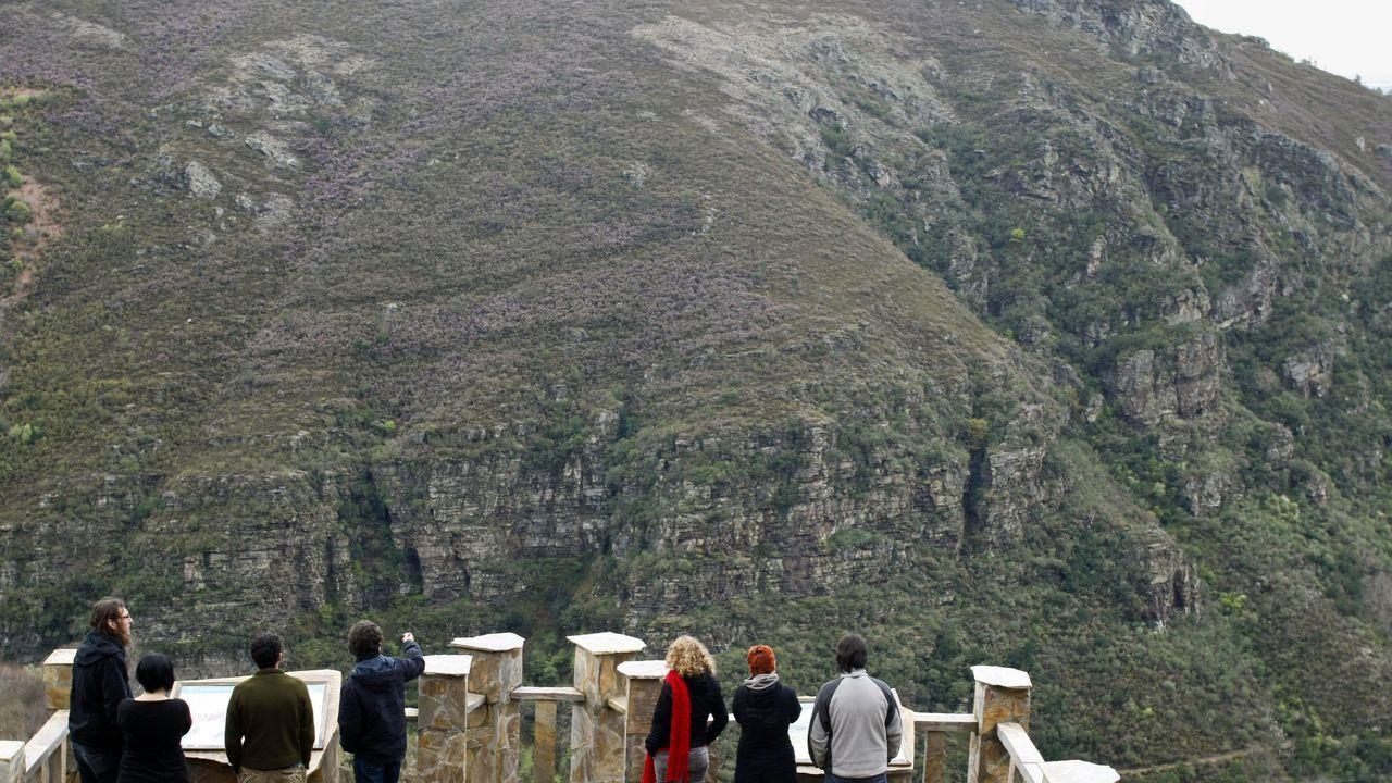 El espectacular pliegue de Campodola, en Quiroga, es uno de los puntos destacados del inventario de lugares de interés geológico del geoparque