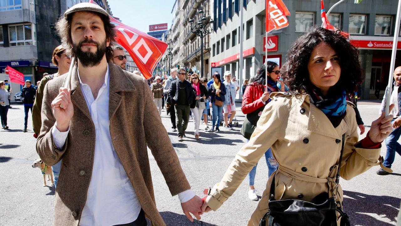 Los gallegos salen a la calle para reclamar mejores salarios y pensiones.Manifestación del Primero de Mayo en Asturias