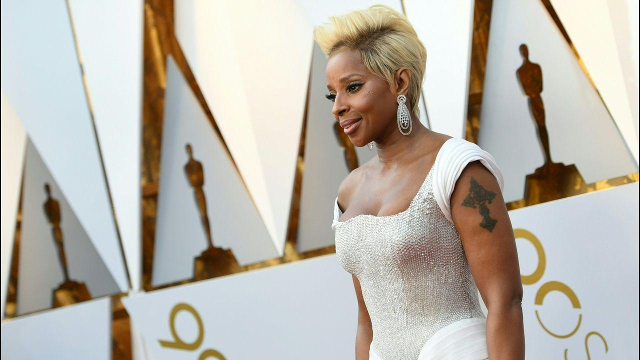 Mary J. Blige, nominada como actriz y cantante, posa en la alfombra roja