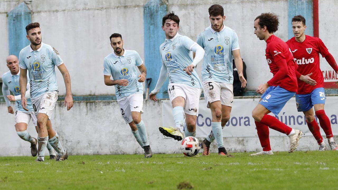 Jugadores del Viveiro en el partido en Cantarrana frente al Bergatiños, el pasado 14 de diciembre