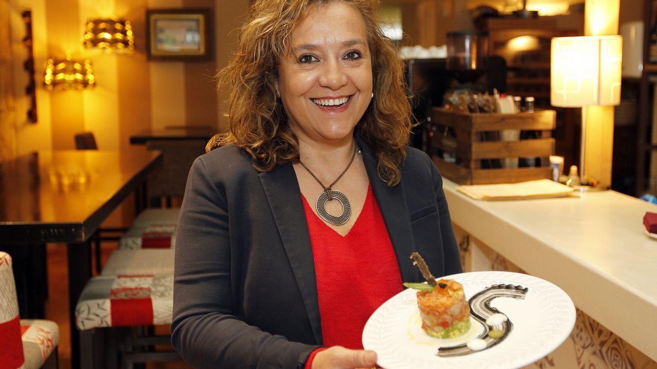 Jimena Mejide, del María Manuela de Vigo, con su sencillo y rico tartar de salmón con langostinos