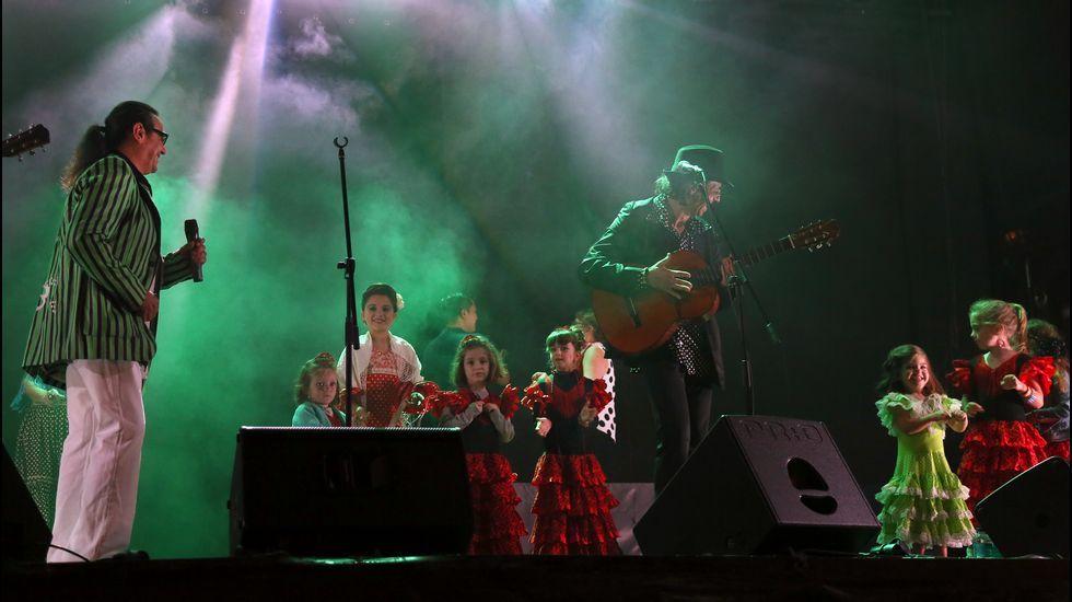 Concierto de los Manolos en la Feria de Abril de Noia
