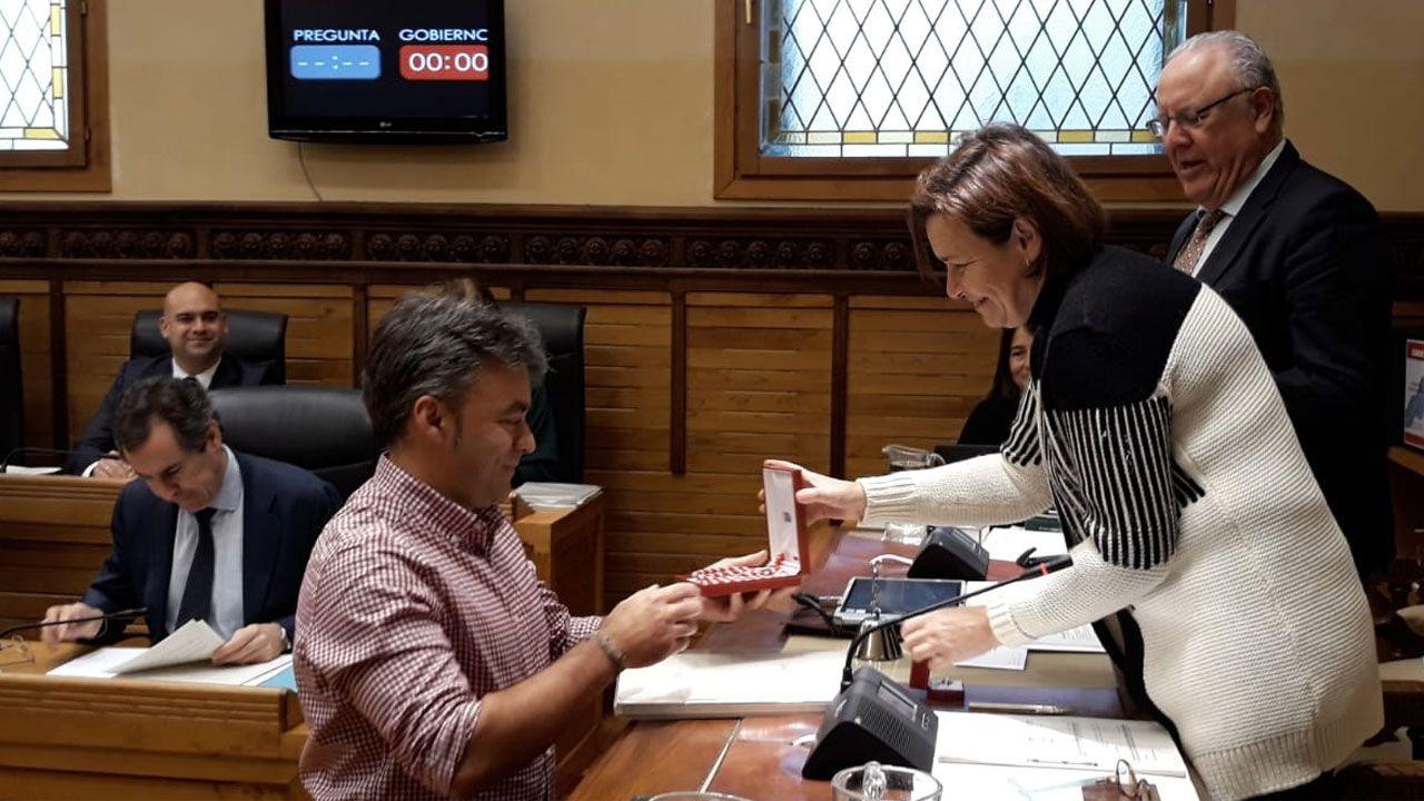 David Alonso, el avilesino con coronavirus que te pide que te quedes en casa.José Ramón Tuero, en su toma de posesión como concejal del Ayuntamiento de Gijón