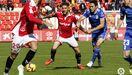 Folch Tete Nastic Real Oviedo Nou Estadi.Folch pelea un esférico con Tete