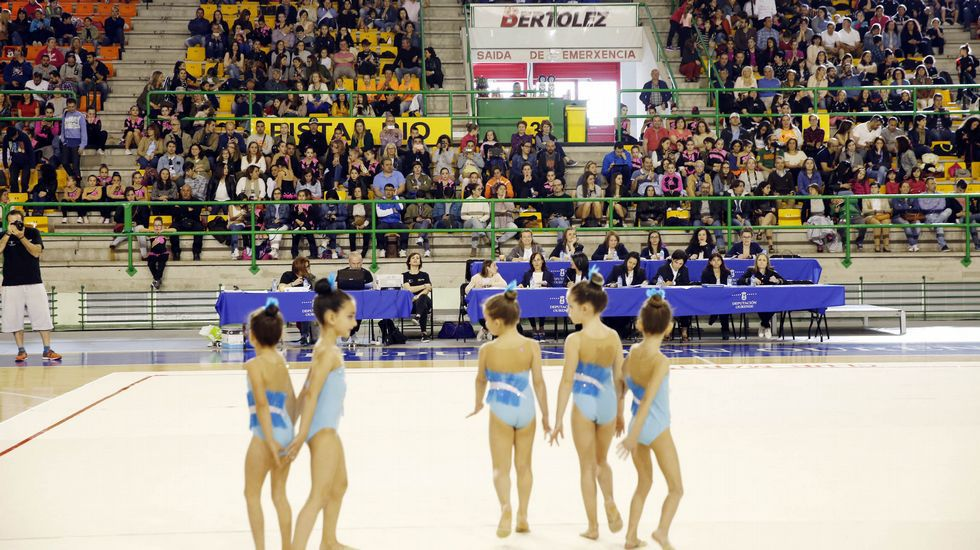 Pavillón deportes Os Remedios: Campionato Galego de Kungfú Moderno..Control en el antiguo paso fronterizo de Pontebarxas, en Ourense