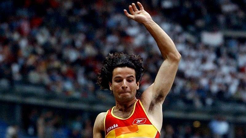 El salto de Yago Lamela que se convirtió en historia del deporte.Los padres de Yago Lamela, tras el funeral
