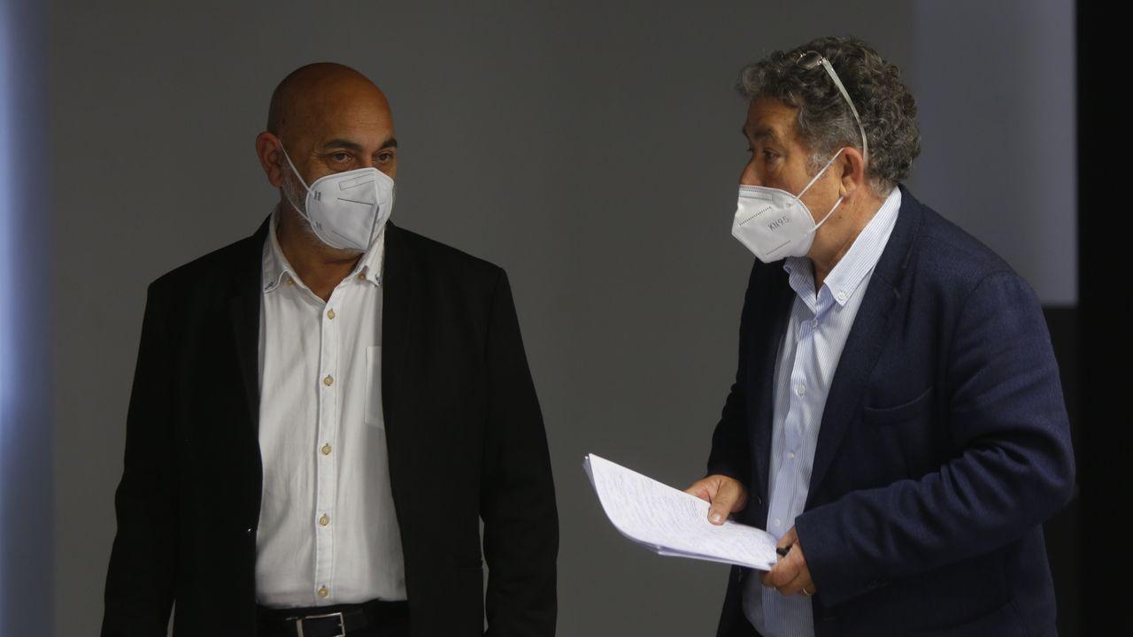 El teniente de alcalde de Pontevedra, Tino Fernández, con el alcalde, Miguel Anxo Fernández Lores