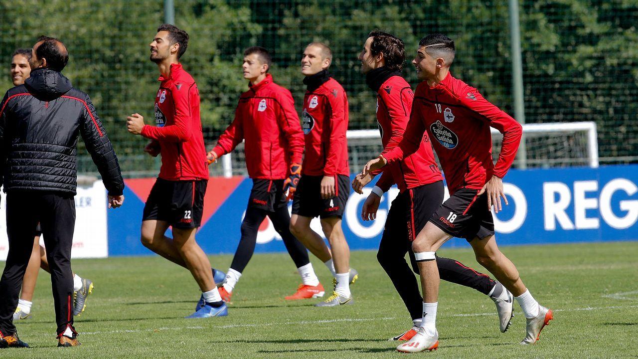 Gol Folch Javi Hernandez Real Oviedo Albacete Carlos Tartiere.Marc Gual celebra un gol con el Zaragoza
