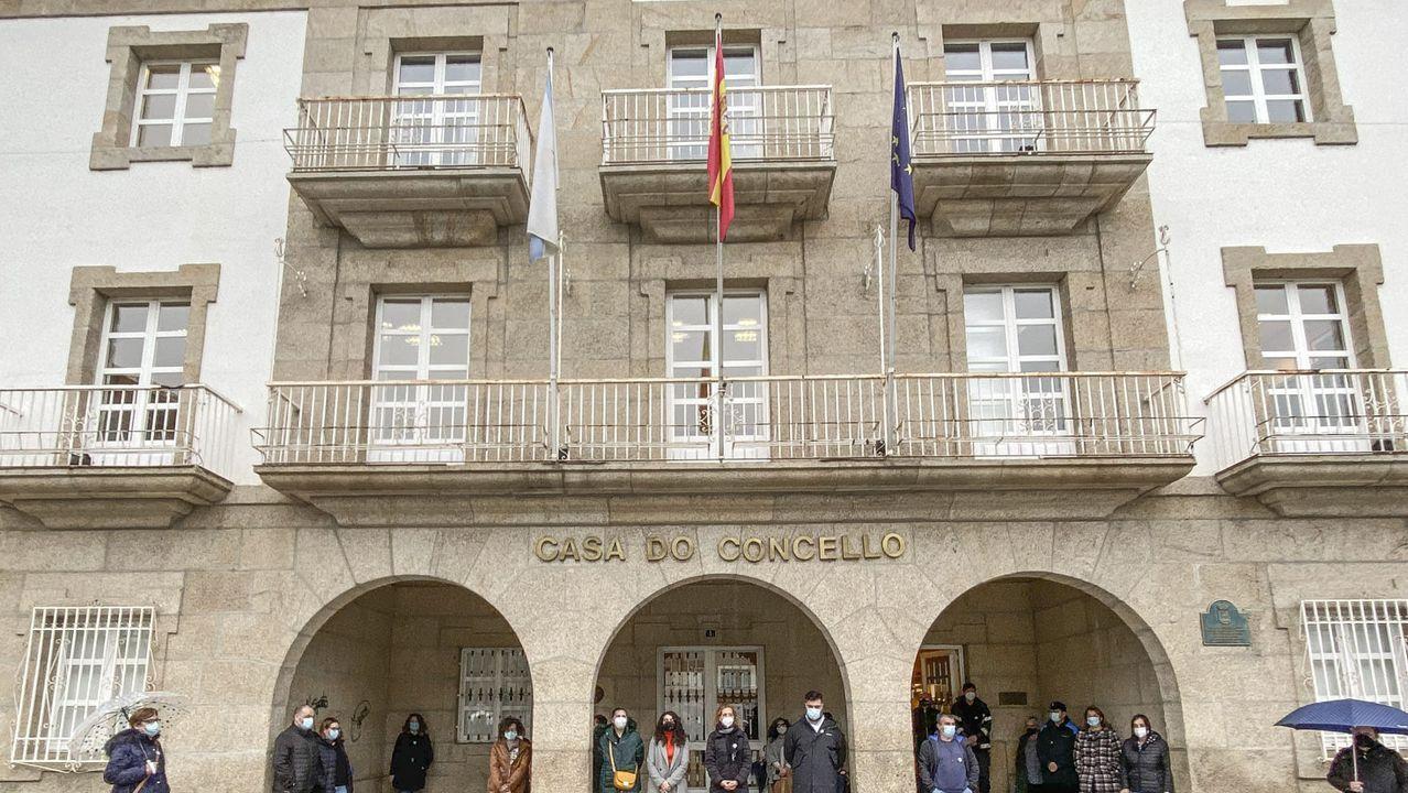 Promociones de SSG en Oleiros.La alcaldesa de Gijón, Ana González, protegida con una mascarilla