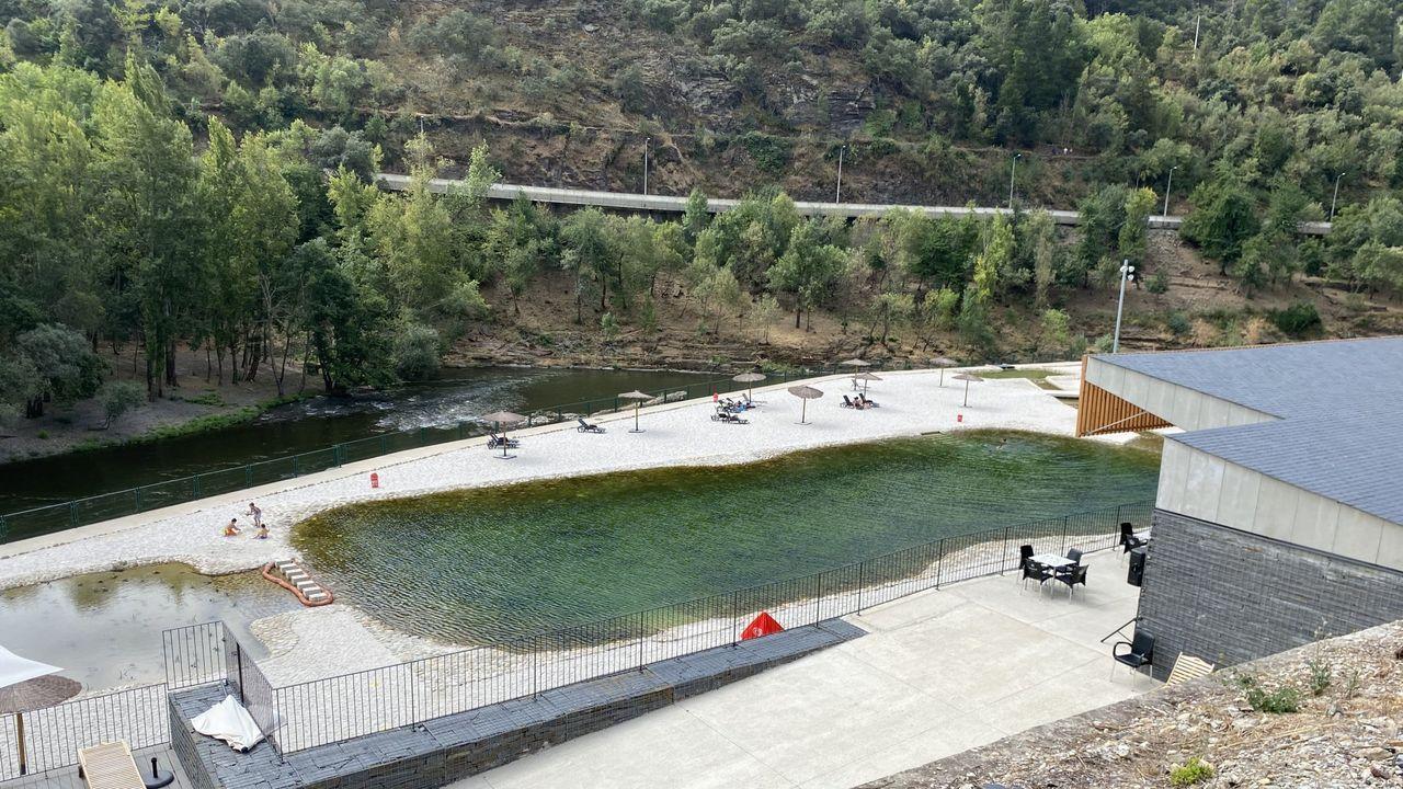 El accidente ocurrió en la zona de las piscinas de Sobradelo